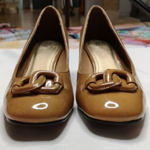 East 5th Round Toe Block Heel Pump MCM Look